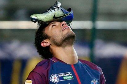 ¿Sabes por qué Neymar festejó su último gol con una bota en la frente?