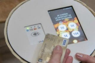 ¿No tienes monedas? Esta iglesia parisina ya acepta tarjetas