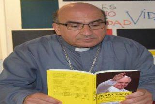 """Fernando Chomali:""""La crítica (de comunista) es una caricatura del pensamiento de Francisco"""""""