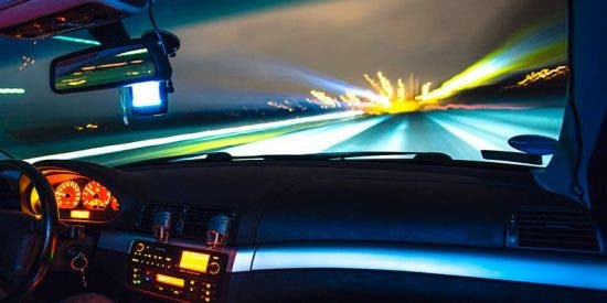 Este conductor hostiga y acosa a otro con frenazos y maniobras bruscas en Murcia