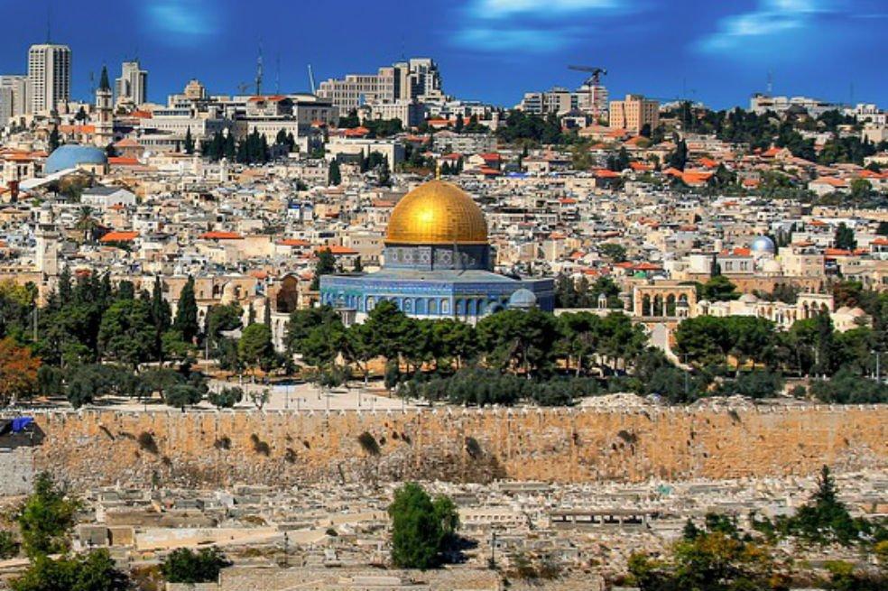 """Patriarca y Custodio: """"No teman venir a Jerusalén"""""""