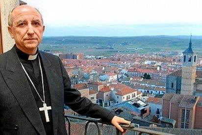 El obispo de Ávila bendice los campos