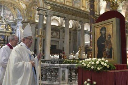 """El Papa, en Santa María la Mayor: """"Sin la Madre, vivimos un cristianismo de ideas y programas, sin ternura ni corazón"""""""
