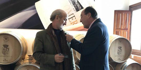Javier Angulo recibe la Insignia Dorada de Matarromera