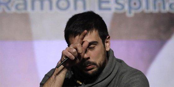 Ramón Espinar saca pecho de los cuatro años de Podemos y en Twitter se lo parten de un 'coca colazo'
