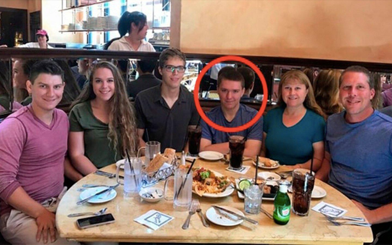 Este adolescente mató a sus padres, a su hermana y a una amiga de la familia en New Jersey