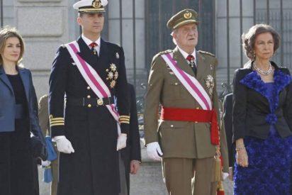 Felipe VI le tira de las orejas a su padre