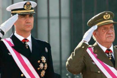 Don Felipe tendrá que usar gafas y don Juan Carlos ahora es más bajito