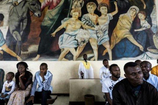 El Ejército irrumpe en una misa para evitar que los fieles protesten contra Kabila