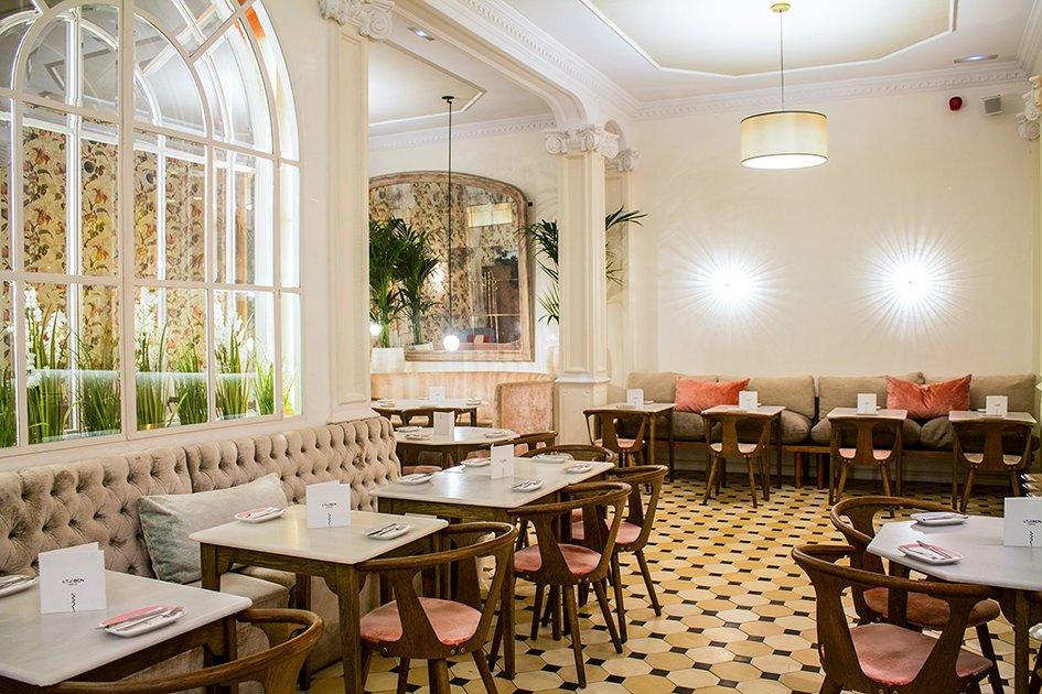 Lateral Consell, uno de los restaurantes más indispensables del Eixample barcelonés, estrena nuevo concepto de interiorismo