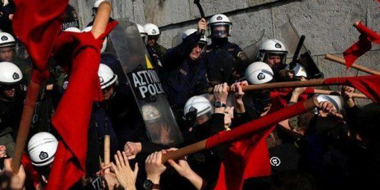Violentas protestas y huelga en Grecia contra las reformas del gobierno de Tsipras
