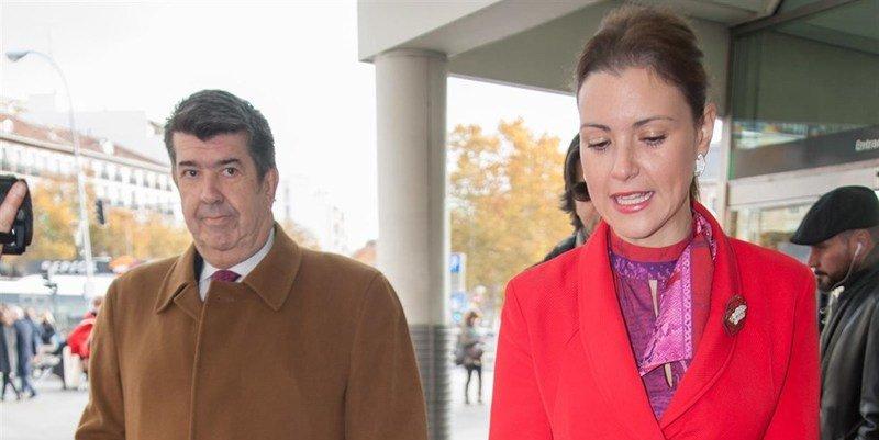 El empresario Gil Silgado en busca y captura pero al lado de María Jesús Ruiz