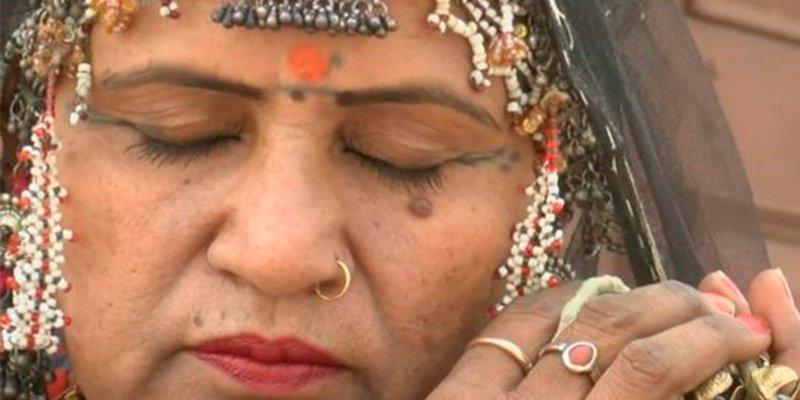 Gulabo Sapera, la bailarina india a la que enterraron viva al nacer
