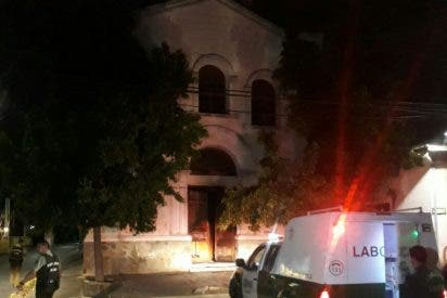 Otra iglesia incendiada en Chile