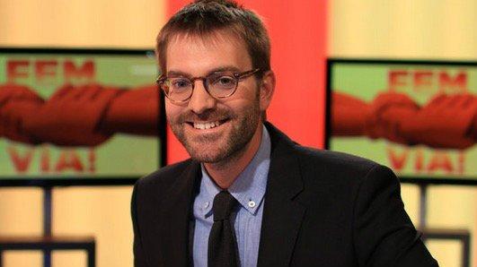"""La tele de El Punt Avuí lanza toda su bilis contra el PSC por apoyar la Constitución: """"Lo de los socialistas es de juzgado de guardia"""""""