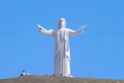 El Cristo del Pacífico tiznado por un incendio