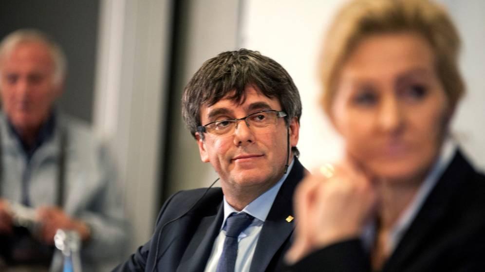 """Antonio Burgos: """"Que un Parlamento autonómico proponga como presidente a un sedicioso, cobardón prófugo de la Justicia, es una desgracia"""""""