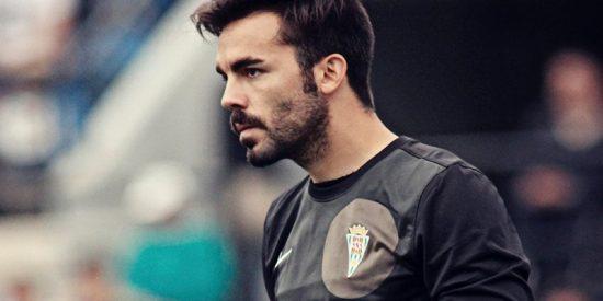 El espectacular gol de este portero español desde 70 metros el día de su cumpleaños