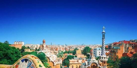 La OMT señala que la caída del turismo en Cataluña roza el 20%