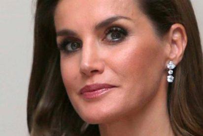 La Reina Letizia no encuentra un cirujano que cubra sus expectativas