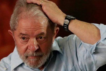 El juez ordena retirarle el pasaporte a Lula Da Silva y le prohíbe salir de Brasil