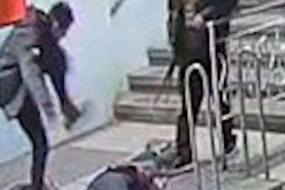Atrapan al matón juvenil que propinó hace un mes una brutal paliza a un hombre en el Metro de Barcelona
