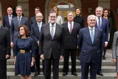 """Mariano Rajoy presiona a sus ministros: """"¡Hala!... a patearse España"""""""