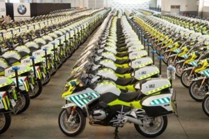 """Guardias civiles critican """"el rancio boato"""" de bendecir sus motos"""