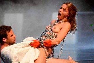 El polémico apoyo de Cristina Cifuentes a una bacanal de sexo de 24 horas en un teatro público