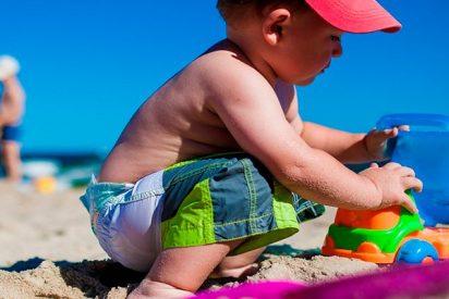 La técnica infalible para encontrar a tu hijo perdido en una playa