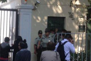 Ocupan la sede de la Nunciatura para protestar por los costes de la visita del Papa a Chile