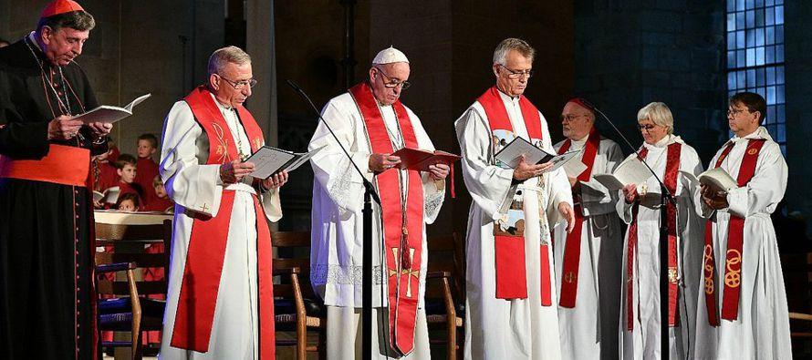 """La Iglesia admite """"un confesionalismo lleno de prejuicios"""", que """"niega identidad cristiana a los bautizados de otras confesiones"""""""