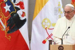 """El Papa manifiesta su """"dolor y su vergüenza"""" por los abusos sexuales del clero chileno"""