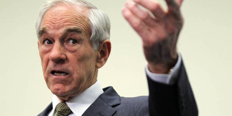 "Ron Paul: ""EEUU no podrá costear su imperio y tendrá un final repentino y catastrófico como la URSS"""