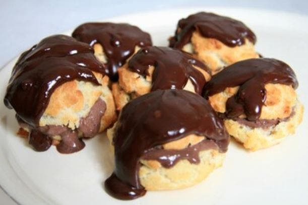 Profiteroles de chocolate: