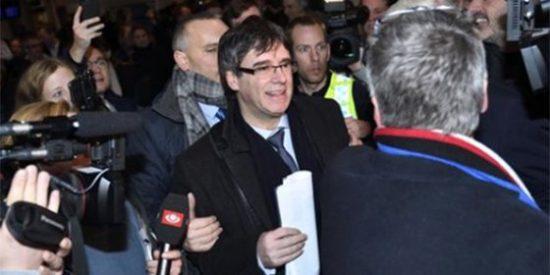 El viaje le sale 'gratis' a Puigdemont: el Supremo no activa la euroorden de detención