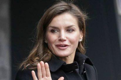 La Reina Letizia vuelve a las andadas en materia de 'pinchazos'
