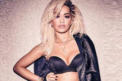 Rita Ora recibe el Año Nuevo con un desnudo integral