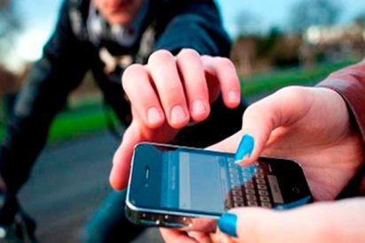 ¡Espeluznante!: Así te roban los cacos el teléfono móvil en Brasil