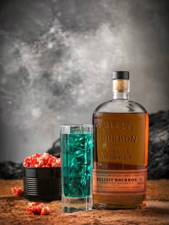 Bulleit Bourbon te propone celebrar el estreno de la película más esperada del año con un magnifico cóctel y unas buenas palomitas
