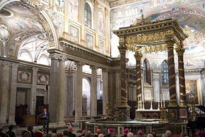 Juan Carlos I y Sofía inauguran la iluminación de Santa María la Mayor