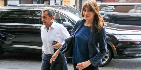 """Carla Bruni: """"La noche que conocí a Nicolás Sarkozy, acabamos juntos en la cama"""""""