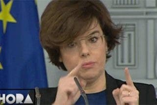 Soraya anuncia que impugnarán ante el TC la candidatura de Puigdemont a President
