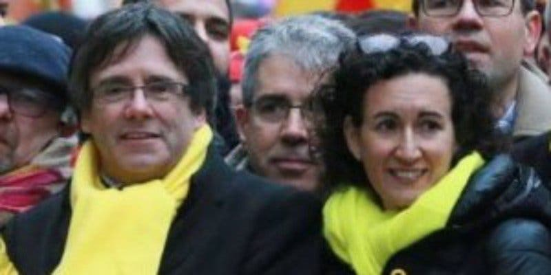 Puigdemont y Rovira pactan una Mesa independentista e intentar la skype-investidura