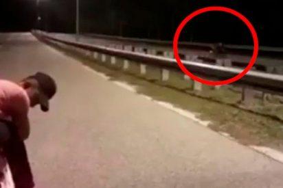 Una 'moto fantasma' sin conductor acojona a las redes