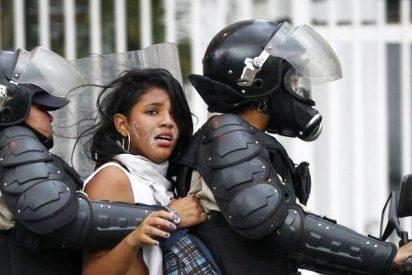 Un policía chavista mata a una embarazada de 18 años en un reparto de comida en Venezuela