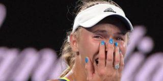 La danesa Wozniacki vence a la rumana Halep en Australia y logra su primer grande