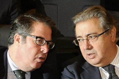 El ministro Zoido y el director de la DGT estaban viendo al Sevilla-Betis cuando llegó el caos