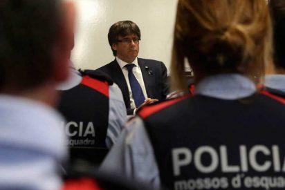 Los jefes de los Mossos ayudaron a fugarse al cobarde Puigdemont