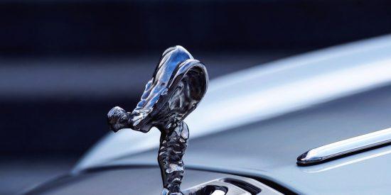 La historia de amor prohibido que se esconde trás el emblema del Rolls-Royce